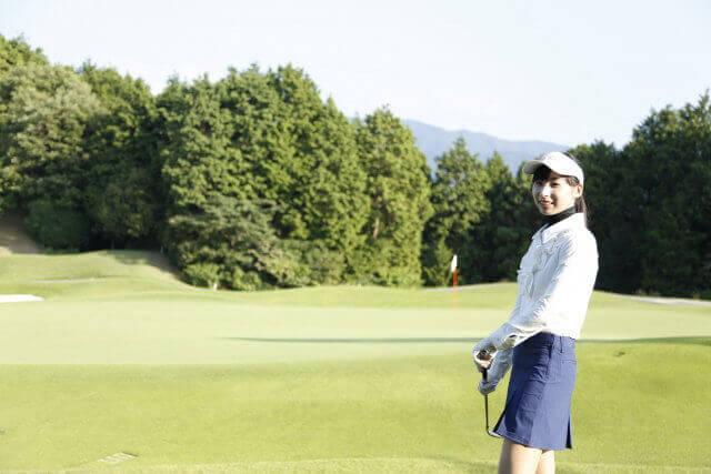不倫相手とゴルフ